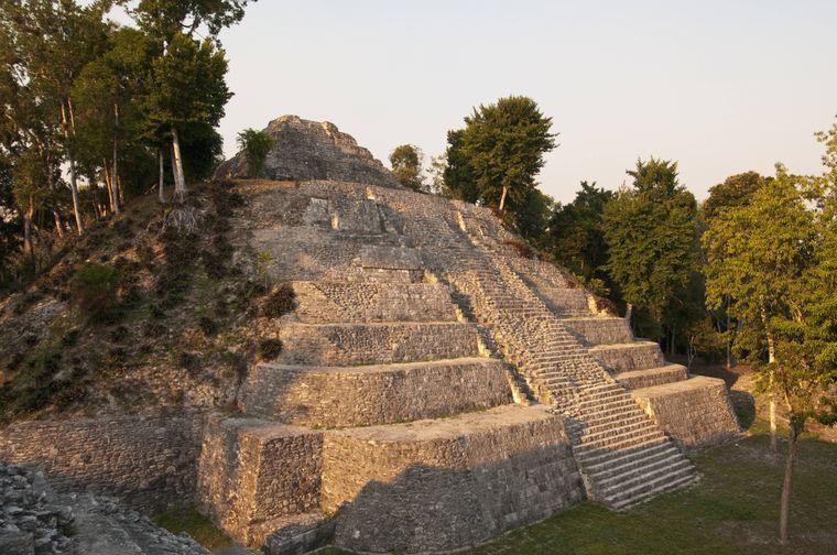 Yaxha im Norden des Landes zählt zu den wichtigsten Maya-Stätten.