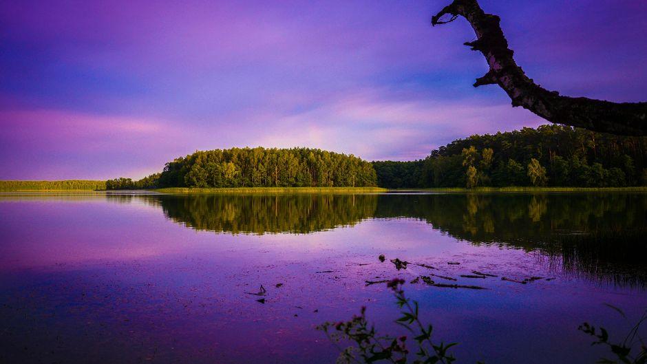 See in den Masuren bei Sonnenuntergang