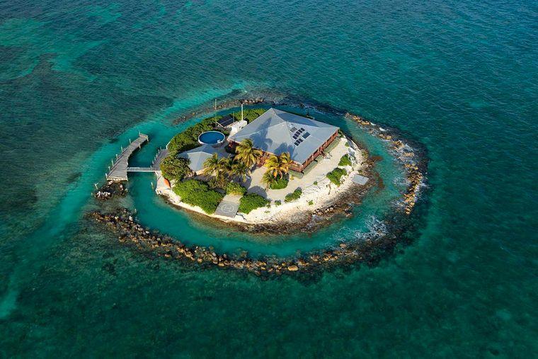 "Die Privatinsel ""East Sister Rock Island"" liegt mitten in den Florida Keys."