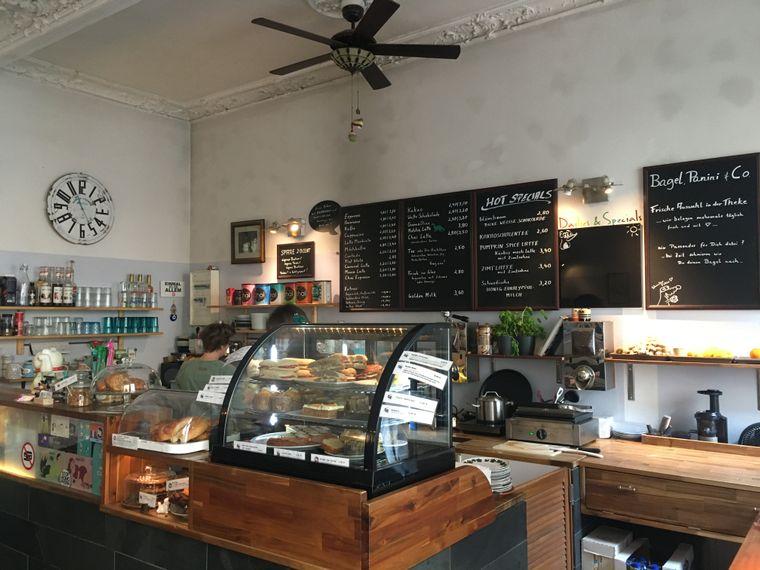 Klein aber fein – im heimeligen Kiez-Café Cutie Pie gibt es besonders leckeren Kaffee.