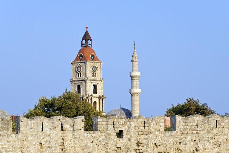 Die Suleiman-Moschee mit dem Roloi-Turm.