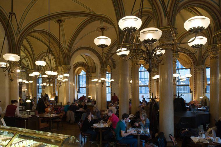 Das Café Central ist bei Touristen besonders beliebt.