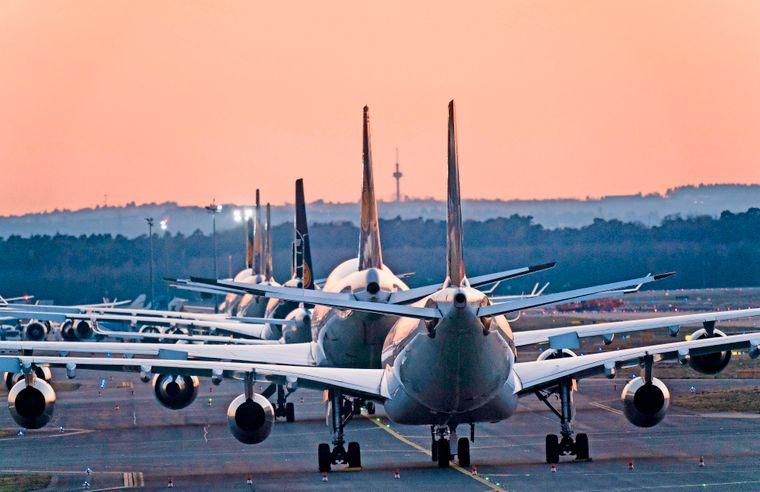 Zahlreiche Airlines bleiben wegen der Corona-Krise am Boden. (Symbolbild)