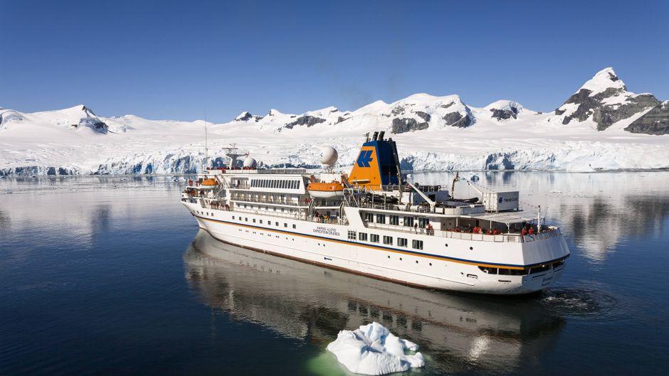 Das Kreuzfahrtschiff macht Expeditionskreuzfahrten nach Norwegen.