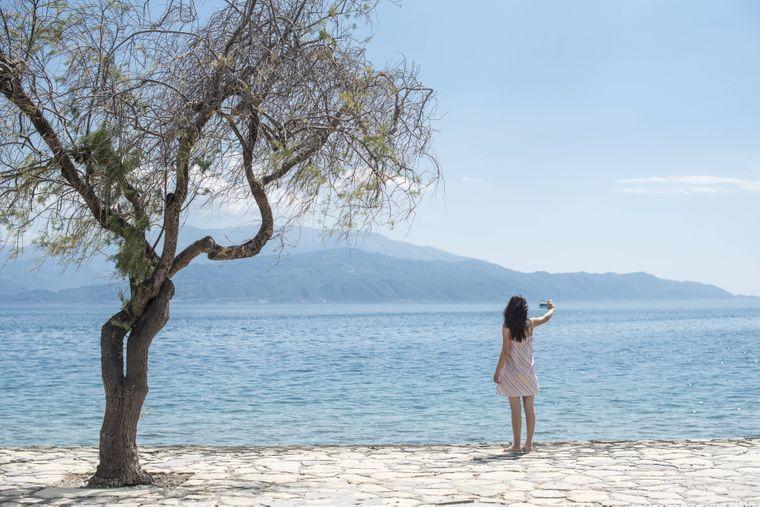 Erinnerungsfotos: Das passende Urlaubsselfie darf im Urlaub in Griechenland auf keinen Fall fehlen.