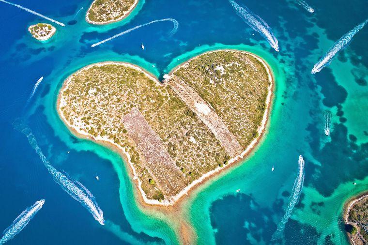 Die kroatische Insel Galesnjak sieht aus der Luft aus wie ein Valentinsherz.