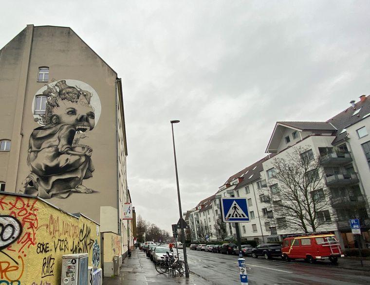 Gerade der Stadtteil Ehrenfeld ist voll von ausgefallenen Graffitis, du du bei der Street Art Tour entdecken kannst.