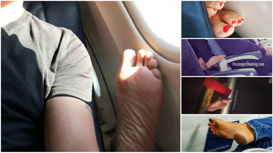 In einem Flugzeug zeigen Passagiere ihre nackten Füße und machen es sich in ihren Sitzen bequem.