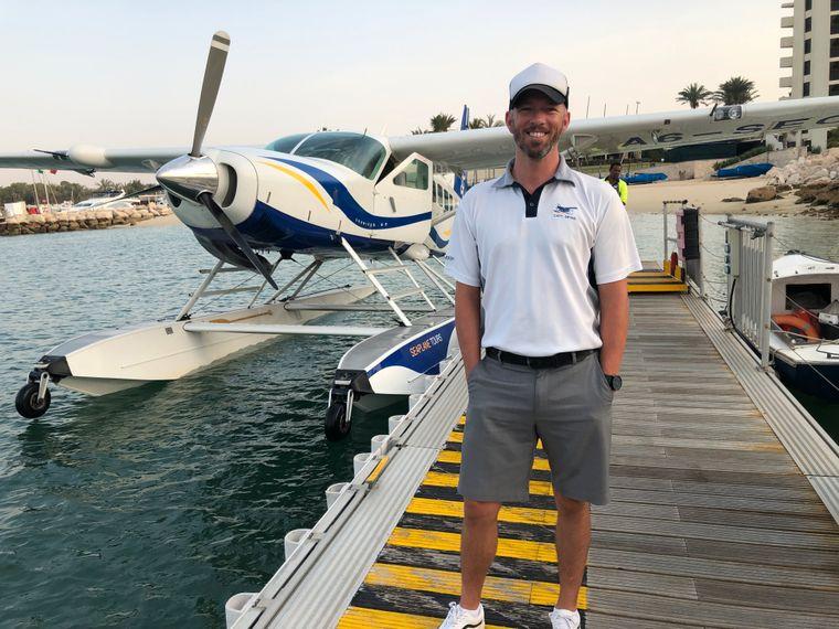 Mit Seawings-Captain Bryan McDonald können Besucher Dubai aus der Vogelperspektive erleben.
