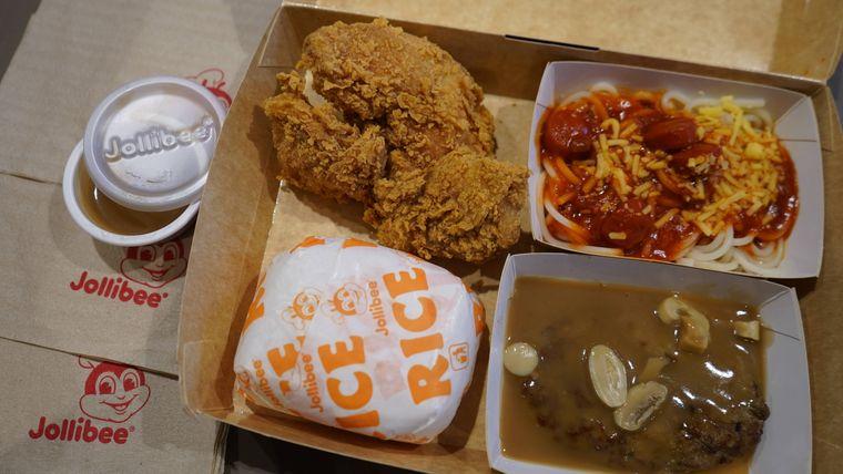 Fast-Food-Menü in einem Schnellrestaurant.