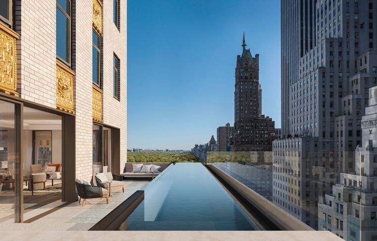 Hoch über den Dächern von New York schwimmen und dabei die atemberaubende Aussicht genießen – ab Frühling 2021 geht das im Aman.