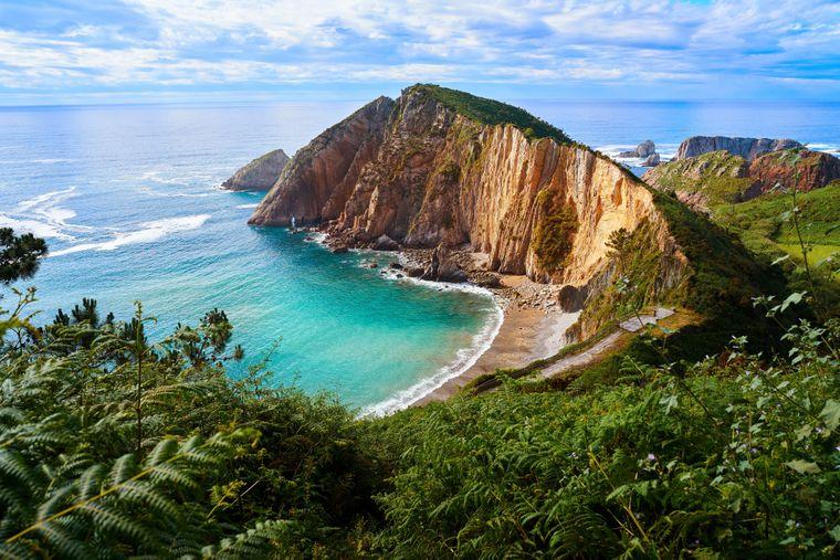 Die Playa del Silencio in Cudillero gehört zu den schönsten spanischen Stränden.