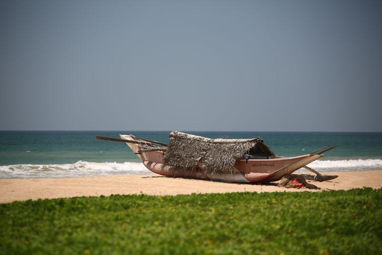 Wie für eine Postkarte gemacht: ein Oruwa am Strand.