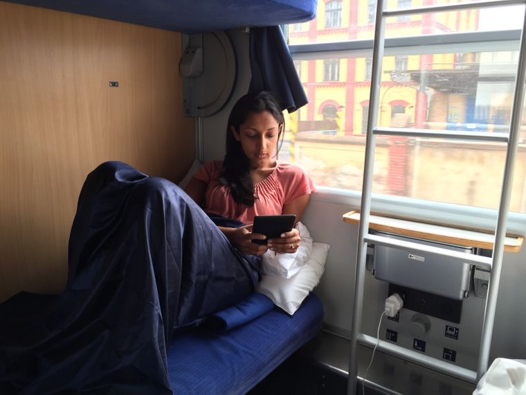 Slow Travel – für Monisha ist das Reisen im Zug die schönste Fortbewegungsart.