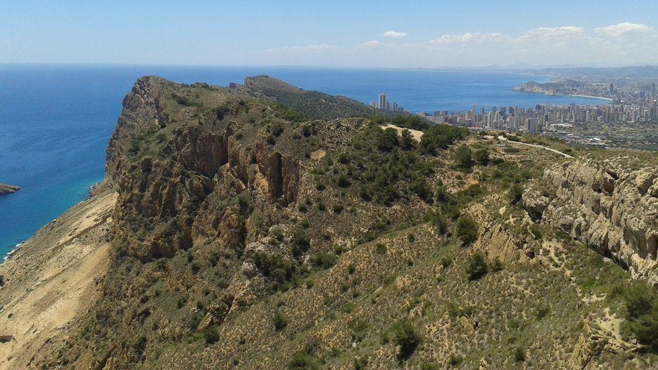Atemberaubende Aussicht während meiner Wanderung entlang der Costa Blanca in Spanien.
