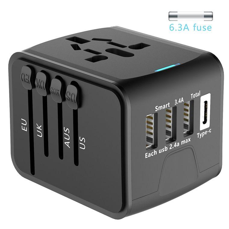 Der Reiseadapter mit USB-Steckplätzen.