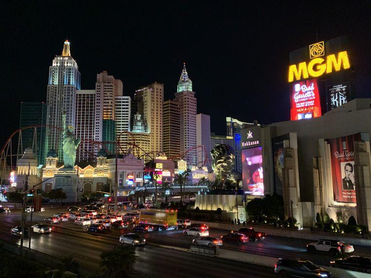 Blick auf zwei Hotels am Las Vegas Strip: New York und MGM.