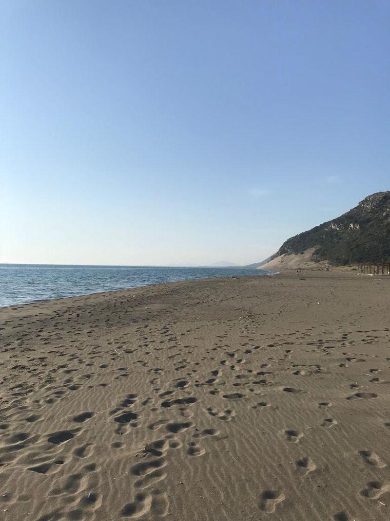Albanien hat einen wundervollen Sandstrand.