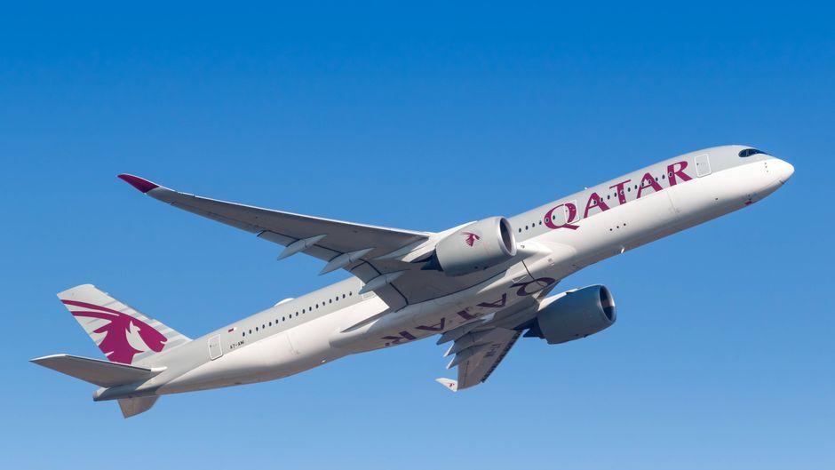 Qatar Airways fordert eine hohe Summe von Piloten.