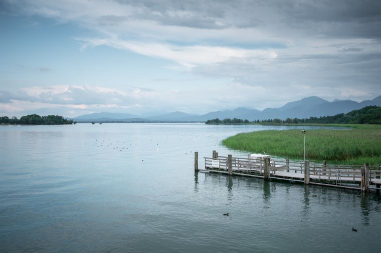 Der Chiemsee in Bayern ist einer der beliebtesten Seen in Deutschland.