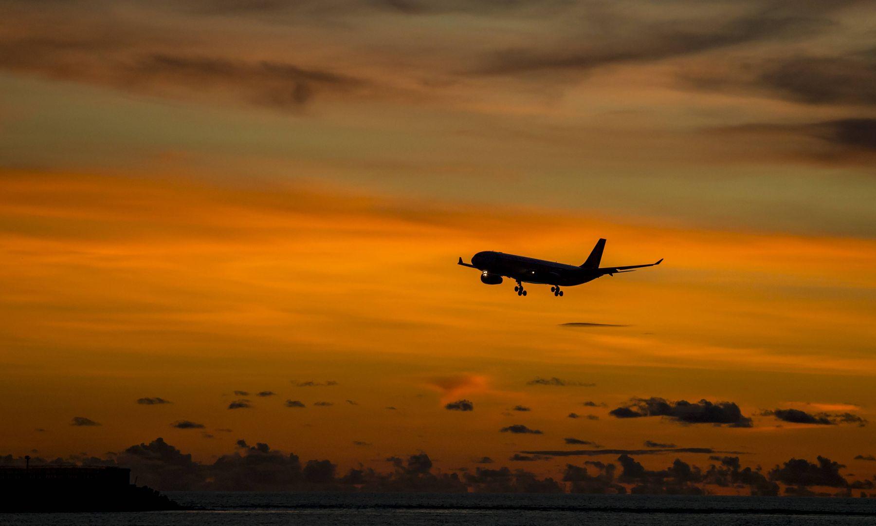 Corona Flugzeug