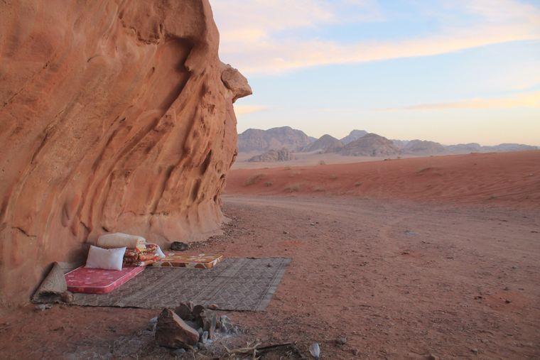 Ein Must-do für deine Jordanien-Reise: Schlafen unter dem Sternenhimmel im Wadi Rum.
