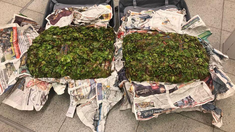 Flughafen Münster/Osnabrück: Zoll findet 36 Kilogramm Drogen im Gepäck einer dänischen Touristin.
