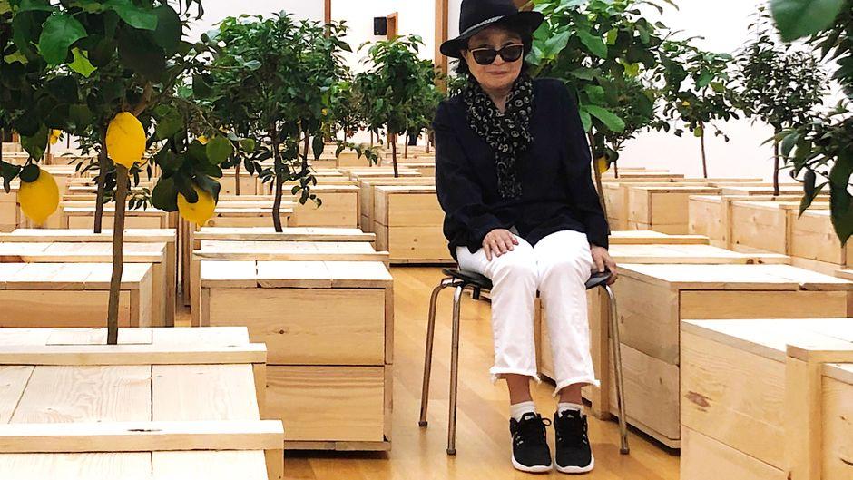 Yoko Ono im Museum der bildenden Künste in Leipzig.