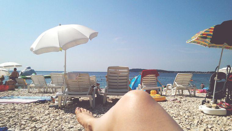 Nackt sein am Strand? Immer mehr Deutsche wollen das.