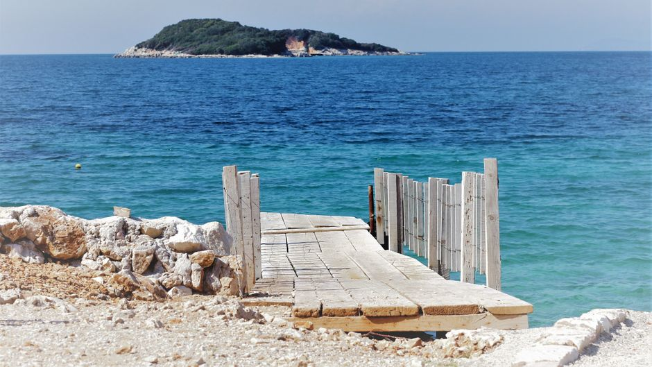 Die Albanische Riviera ist eine der letzten unverbauten Küsten am europäischen Mittelmeer.