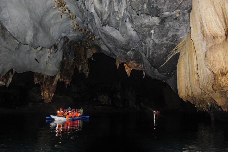 Der Untergrundfluss Sabang auf den Philippinen.