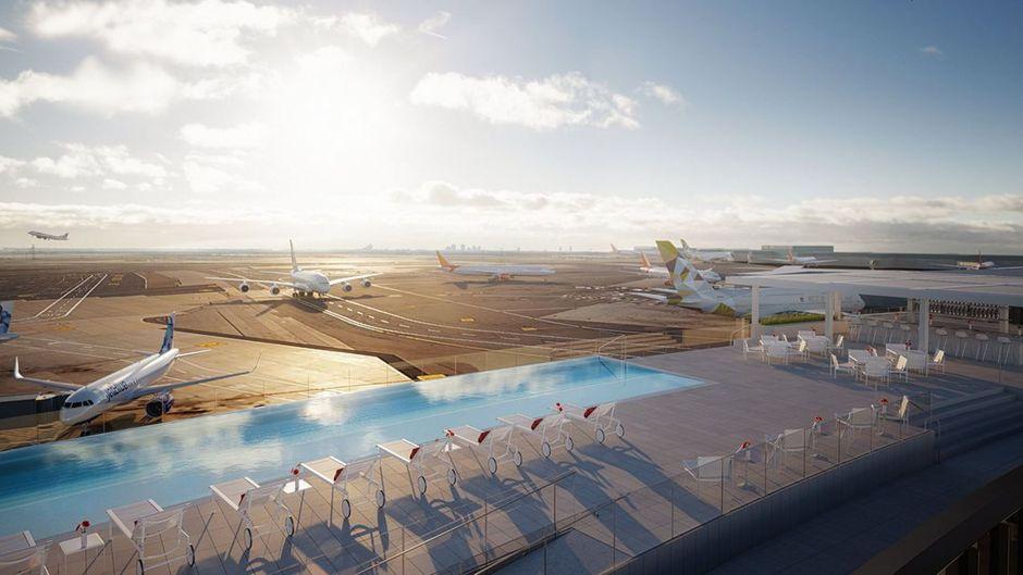 Das Pool-Deck des neuen TWA Hotels am Flughafen JFK in New York.