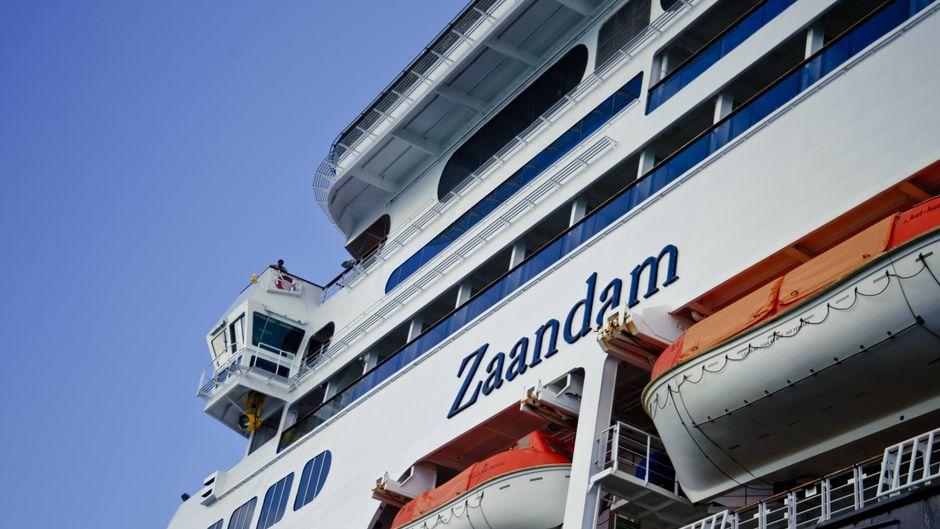 """Weil das Coronavirus auf der """"MS Zaandam"""" ausgebrochen ist, darf das Schiff an keinem Hafen anlegen."""