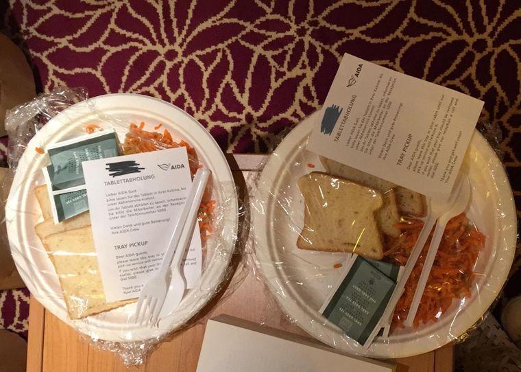 So bekamen Alex und seine Freundin das Essen aufs Zimmer.