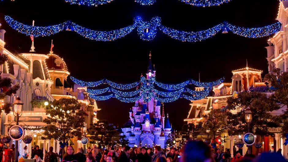 Disneyland Paris an Weihnachten.