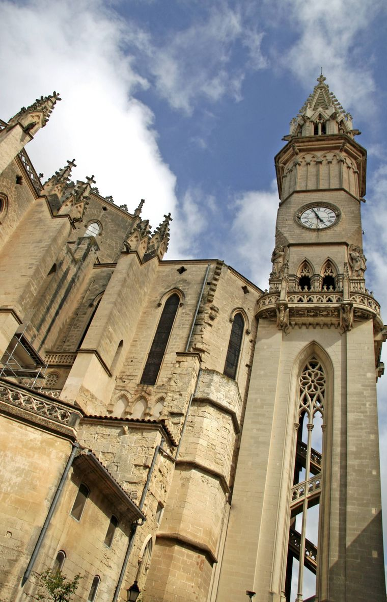Der Turm der Kirche Nostra Senyora dels Dolors in Manacor ist mit 80 Metern Höhe das größte Gebäude der Insel.