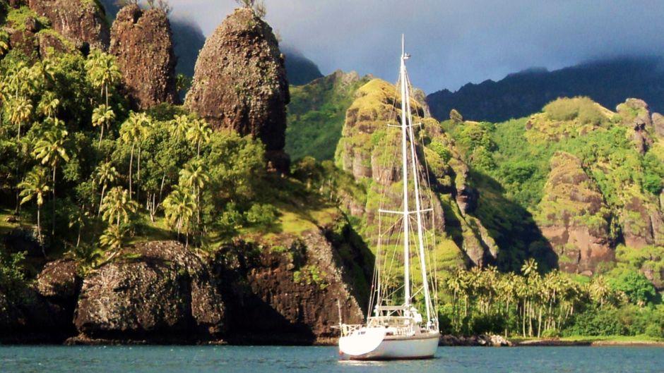 """Das Segelschiff """"Odin Sailing"""" ankert derzeit vor den Philippinen."""