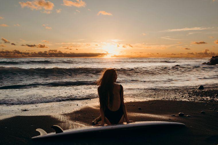 Sonne tanken und entspannen am Strand von Lanzarote.