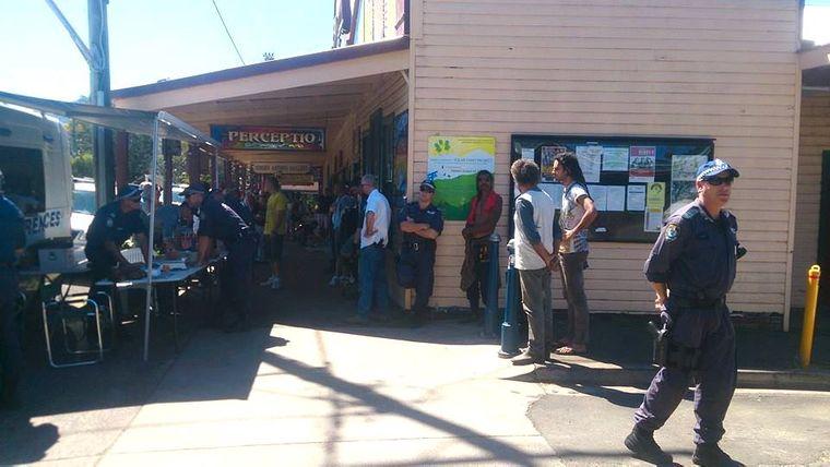 Auch die Geschäfte an der Hauptstraße von Nimbin werden bei den seltenen Razzien untersucht.