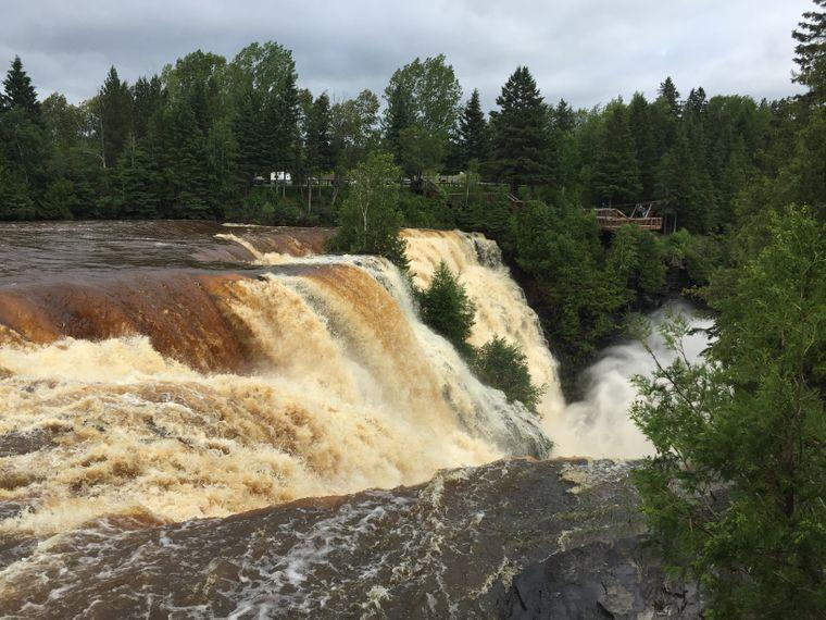 Die Kakabeka Falls bei Thunder Bay gelten für die Einwohner als Niagara des Nordens.