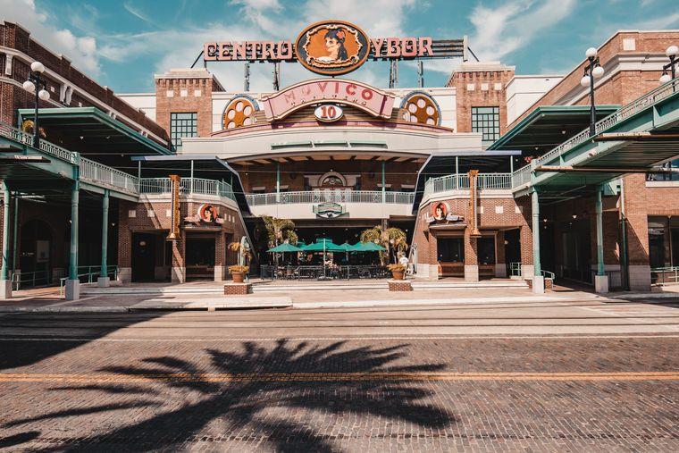 In Tampa lohnt sich ein Besuch von Ybor City, dem historischen Viertel.
