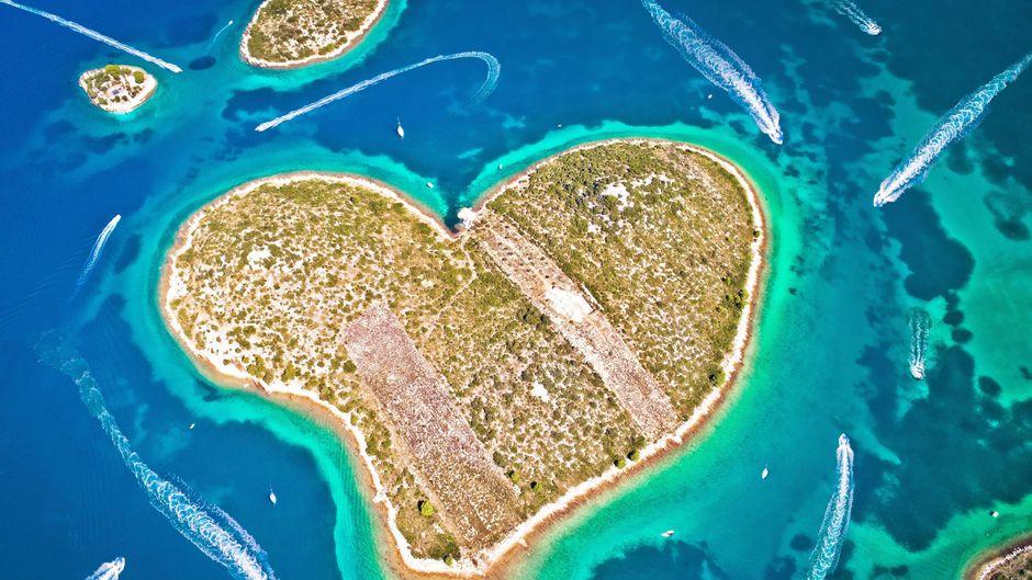 Die herzförmige Insel Galešnjak in Zadar ist besonders bei Paaren beliebt.