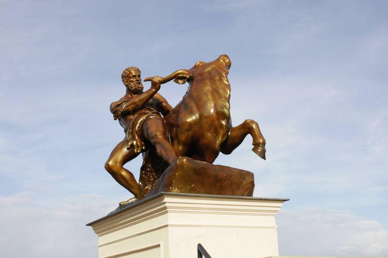 Herakles ist eine der bekanntesten Gottheiten und berühmt für seine Stärke.