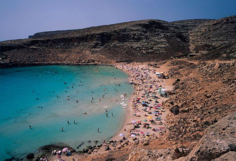 Der Kaninchenstrand auf der sizilianischen Insel Lampedusa ist inzwischen sehr bekannt.
