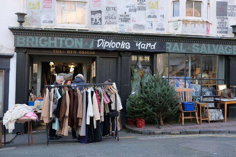 Im früheren Fischerviertel The Lanes in Brighton gibt es in Hunderten von Läden nichts, was es nicht gibt.