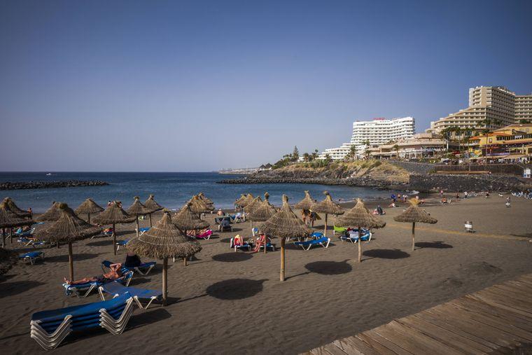 Hier kannst du perfekt Party machen: Der Playa de Troya auf Teneriffa.