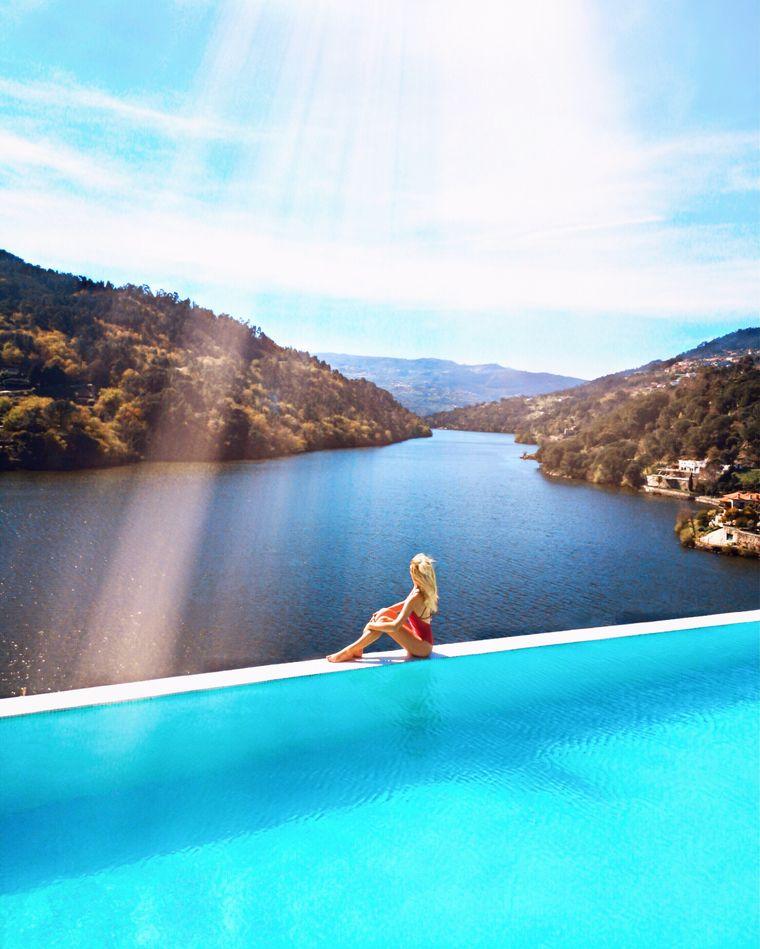 Mella in Portugal – entspannen im Infinity Pool.