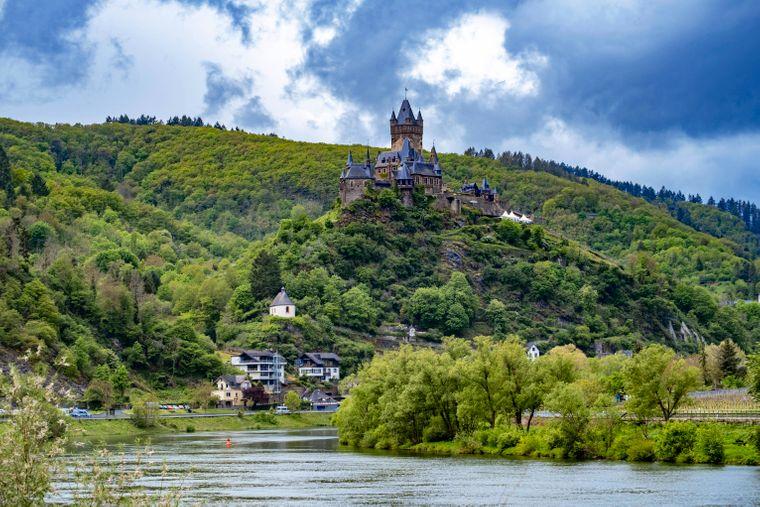 Die Reichsburg Cochem in Rheinland-Pfalz ist einer DER Hingucker an der Mosel.