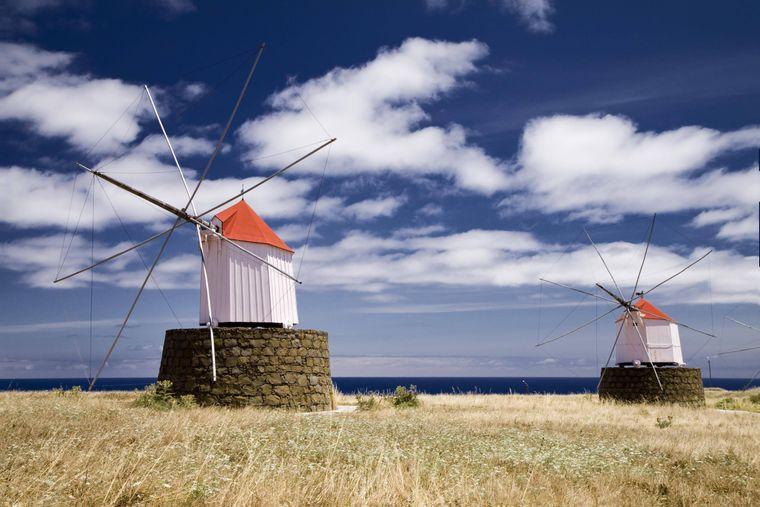 Typisches Bild auf Porto Santo: Windmühlen.
