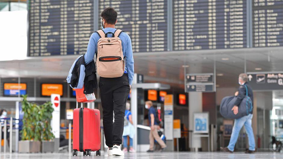 In Zeiten der Coronavirus-Pandemie ist die Unsicherheit bei Reisenden groß. (Symbolbild)